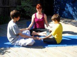 meditating kids3_1606300106_n
